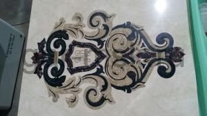 семейный герб из мрамора